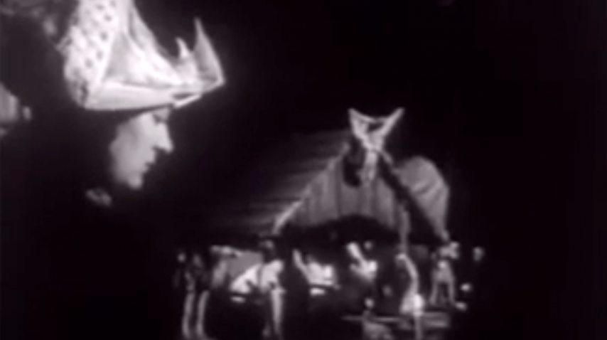 Newsreel: Christmas Around the World - 1950